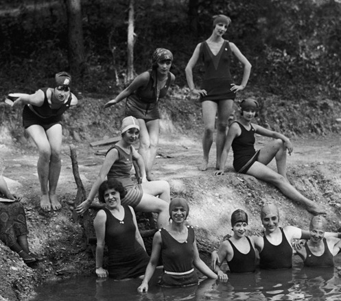 The National American Ballet on an outing, 1924 fuckyeah1920s
