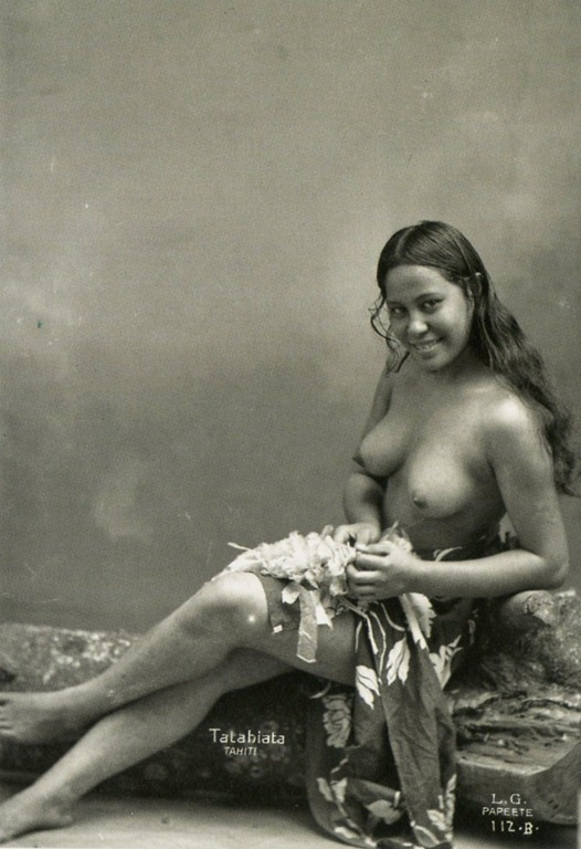 naked girls from tahiti