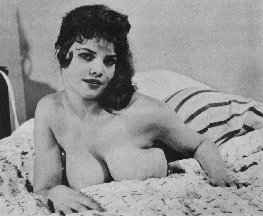 Julie cobb nackt