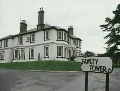 446_Fawlty Towers_04