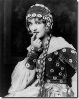Marion Davies, Ziegfeld girl, by Alfred Cheney Johnston, 1924