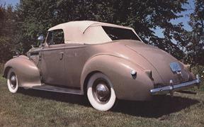 1940_packard one-ten convertible2