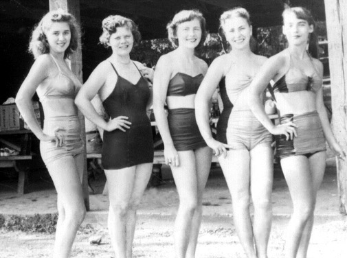 928_fifties beach beauties_05
