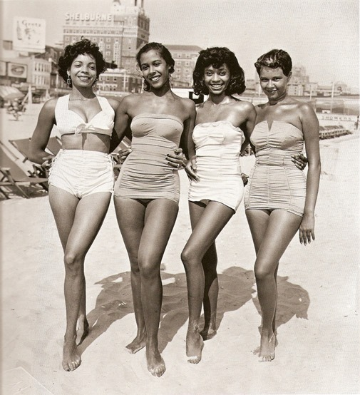 928_fifties beach beauties_08