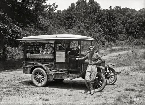 a1067_auto tourism 1920_02