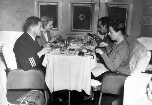 a1086_BOAC-Flying-boat-meal-1946-