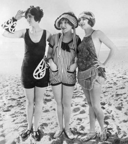 a12020_bathing beauties_04