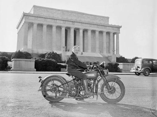 a12078_women_on_bikes_02