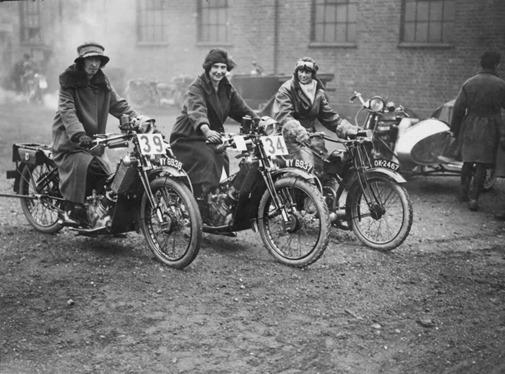 a12078_women_on_bikes_05