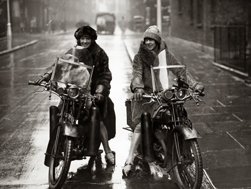 a12078_women_on_bikes_08